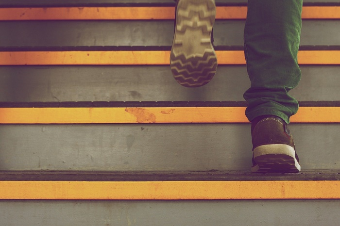 Šalovanie schodov po vedením odborníkov